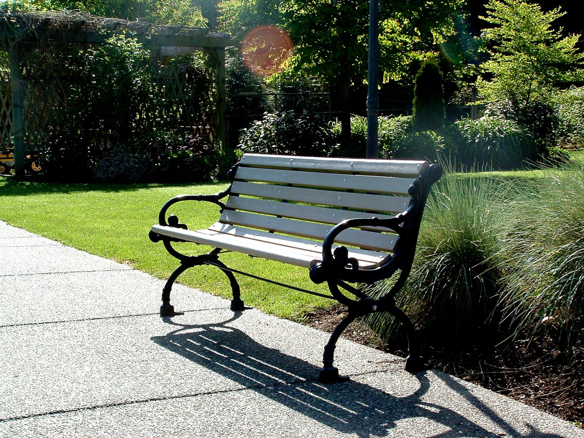 victorian park bench - wishbone site furnishings