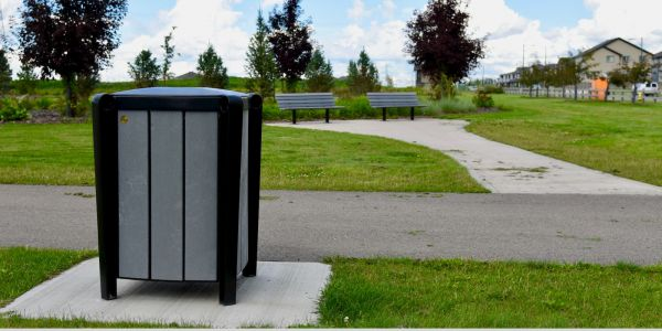 Produit Replast Kingsey Waste Receptacle in Edmonton Alberta (1)