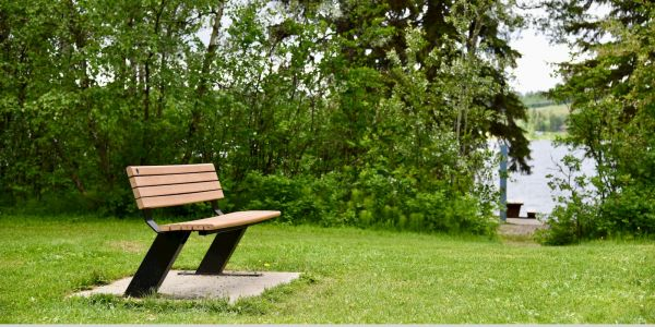 Produits Re-Plast Public Place Bench at 10 Mile Lake Provincial Park Near Quesnel BC (1)
