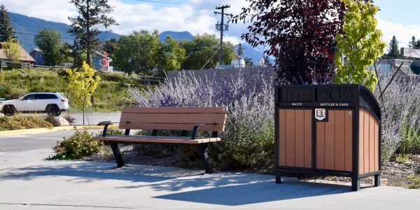 Wishbone Bayview Bench and Modena Curved Top Recycling Station in Invermere BC (1)