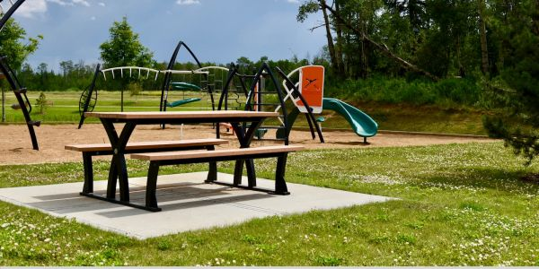 Wishbone Parker Picnic Table in Grande Prairie Alberta (1)