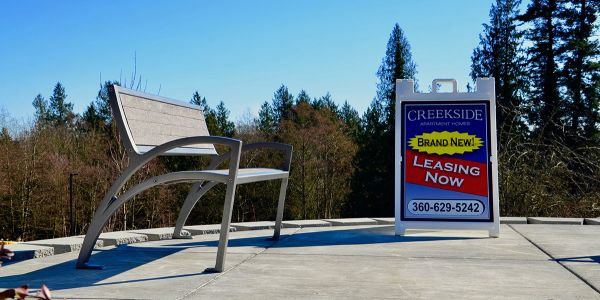 Wishbone-Modena-Bench-at-Creekside-Apartment-Homes-in-Stanwood-Washington