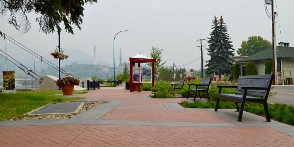 Wishbone-Rutherford-Angled-Leg-Benches-at-the-Columbia-River-Skywalk-in-Trail-BC-(1)